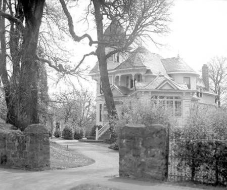 Hugh Stryker Collection, 1945-1965, Salem Public Library, HSTC222